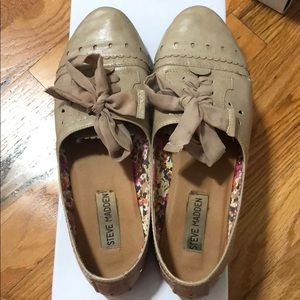 Steve Madden Taupe Lace up Flats